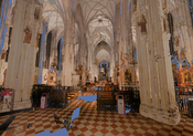 Interior3: Inside the Stephansdom, looking from the entrance to the high altar.